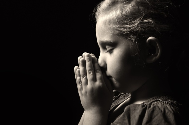 3 simple and easy ways to teach your kids to pray
