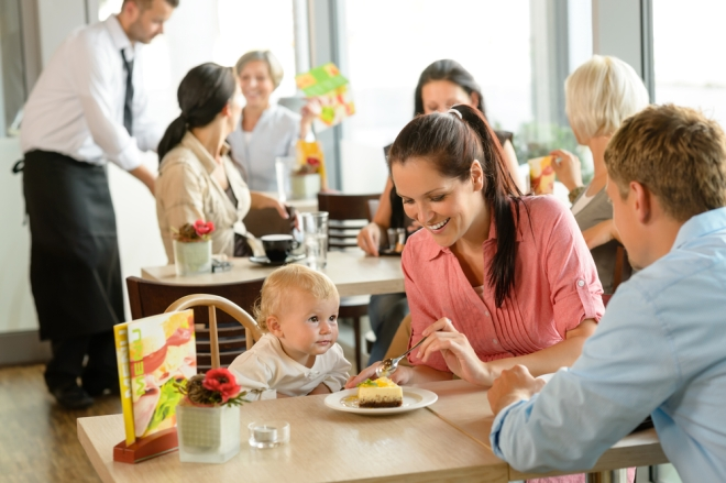 6 secrets to 'eating out' -- peacefully -- with children